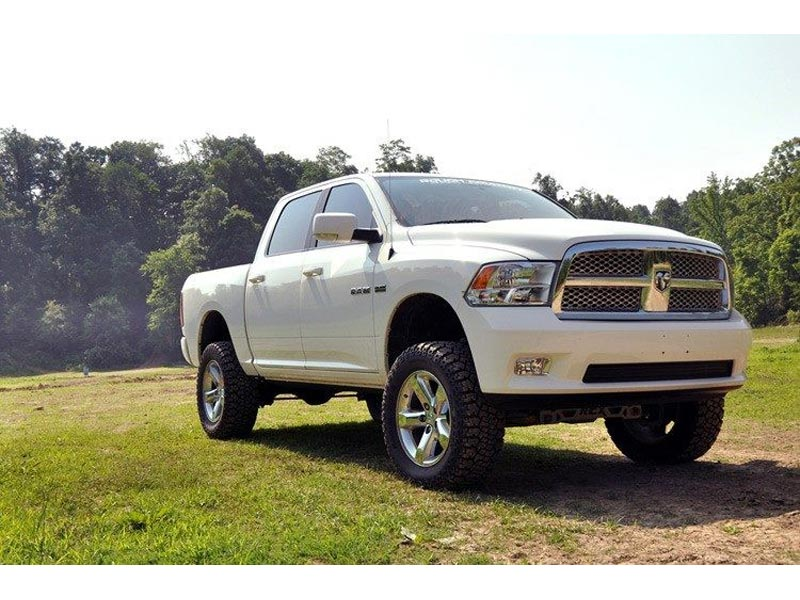 4 Inch Lift Kit For Dodge Ram 1500 4wd >> Rough Country 4 Inch Suspension Lift Kit With Lifted Struts For The Dodge Ram 1500 4wd