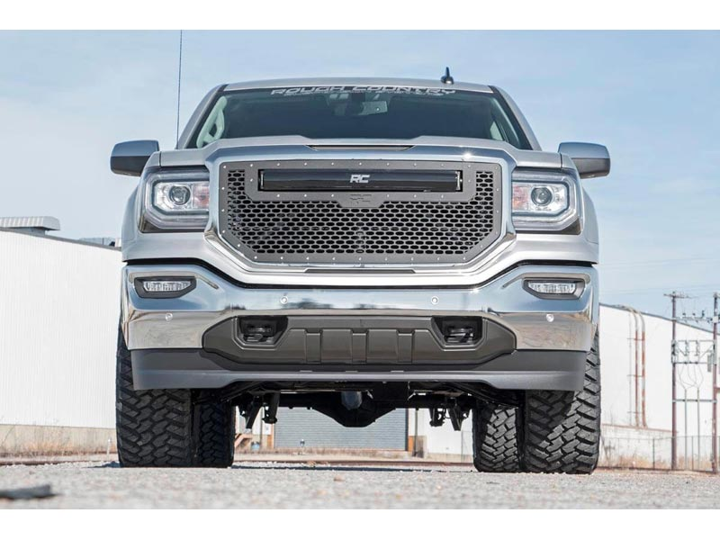 Rough Country 3 5 inch Suspension Lift Kit for the Silverado, Sierra 1500  4WD