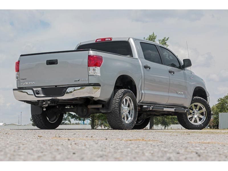 Rough Country 3 5 inch Bolt-On Suspension Lift Kit for the Toyota Tundra,  4WD